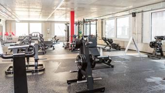 Die Öffnungszeiten werden in einigen Fitnessstudios leicht reduziert, damit Zeit für die Reinigung und Überprüfung der Massnahmen bleibt. (Symbolbild)