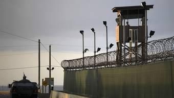Das US-Gefangenenlager Guantanamo Bay in Kuba von aussen: Rechtspopulisten lancierten in Frankreich den Vorschlag, Internierungslager für Islamisten zu eröffnen. (Archivbild)
