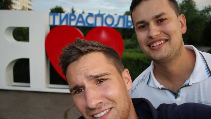 Falls ich mal in die Politik möchte, könnte mir dieses Selfie zum Verhängnis werden – egal: «Ich liebe Tiraspol» - nicht zuletzt wegen meines Gastgebers Costa.