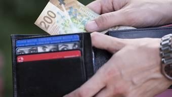 Die gute Nachricht: 2019 steigen die Löhne. Die schlechte: Die Teuerung dürfte einen schönen Teil vom Anstieg wegfressen. (Symbolbild)