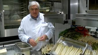 Spargeln kochen wie ein Profi: Von der Wahl der Rohstoffe bis hin zur selbstgemachten Sauce.