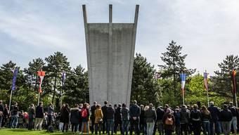 Am Luftbrückendenkmal ist an das Ende der Berlin-Blockade vor 70 Jahren erinnert worden.