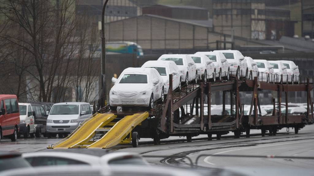 «Schlechtestes Auto-Jahr» seit Ölkrise: Automarkt schrumpft wegen Corona um einen Drittel