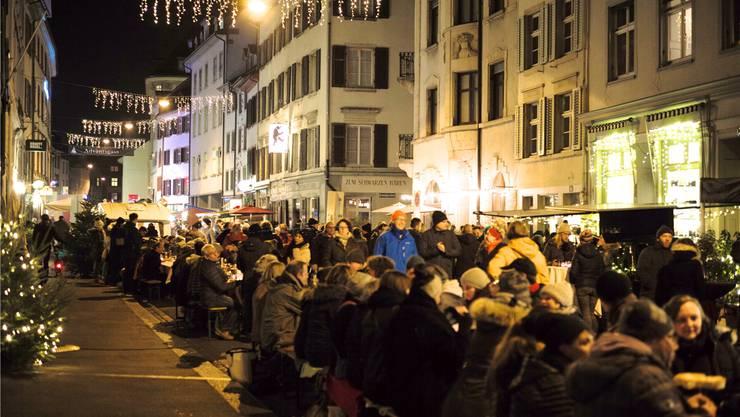 Der Gratis-Fondueplausch in der Adventsgasse fand im Dezember bereits zum zweiten Mal statt.