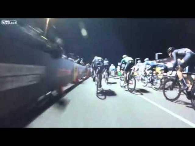 Aus der Sicht der Velofahrer: Mit einer Helmkamera filmte dieser Teilnehmer den Crash.