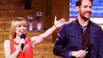 """Francine Jordi und Alexander Mazza in der Silvester-Stadlshow 2015. 2016 und 2017 soll es erneut """"Stadls"""" geben zum Jahresende, nicht aber welche während des Jahres (Bild SRF/ORF)."""
