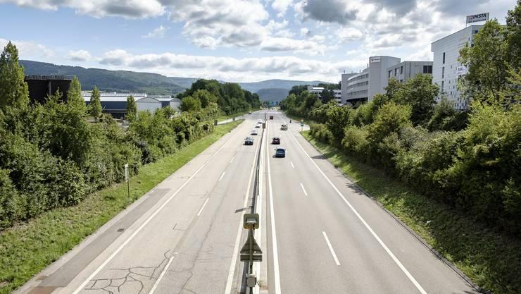Mit dem Velo sollen Pendler einfacher ins Gewerbegebiet Kägen (rechts) fahren können.