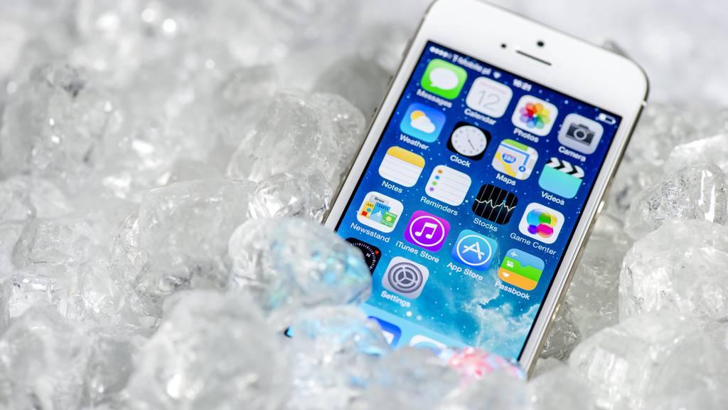 Im Winter leiden nicht nur wir unter der Kälte, sondern auch unsere Smartphones