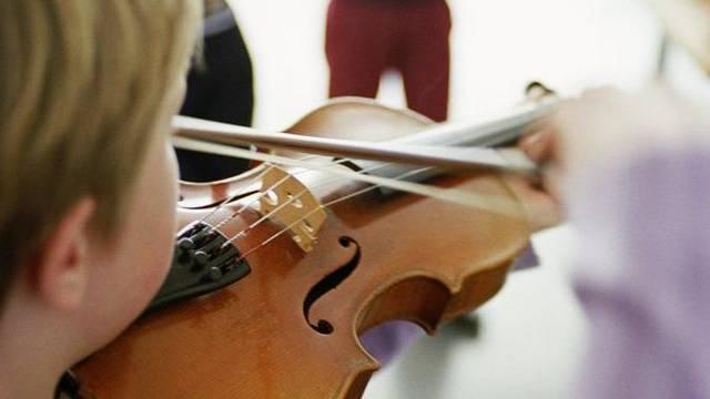 Bund und Kantone müssen nun den Zugang zur Musik verbessern. (Symbolbild)