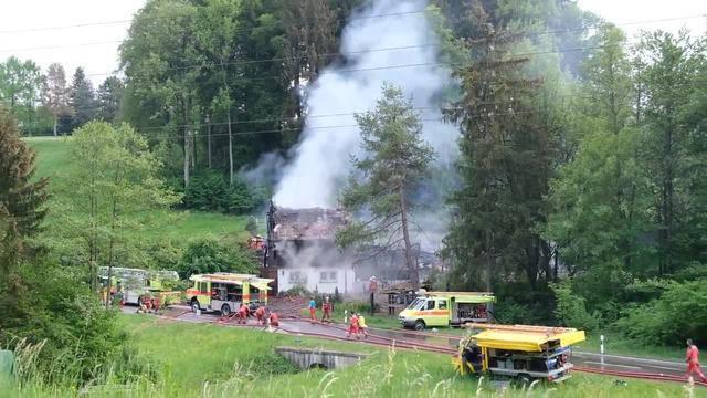 Neben der Feuerwehr Birmensdorf/Aesch waren auch zahlreiche andere Feuerwehren im Einsatz