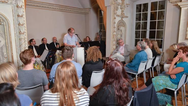 Der Azeiger verlieh im Schlösschen Vorder-Bleichenberg die Kulturförderpreise an sieben junge Kunstschaffende.