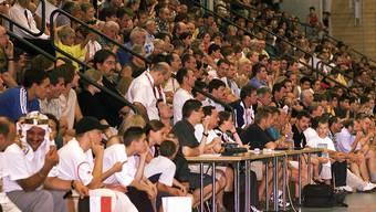 Die Halle war 2001 Austragungsort der U21-Handball-Weltmeisterschaft – die Partei Schweiz gegen Algerien war ausverkauft. Nun wird das undichte Hallendach saniert.