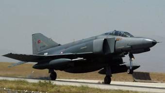 Eine F-4 Phantom der türkischen Armee (Archiv)