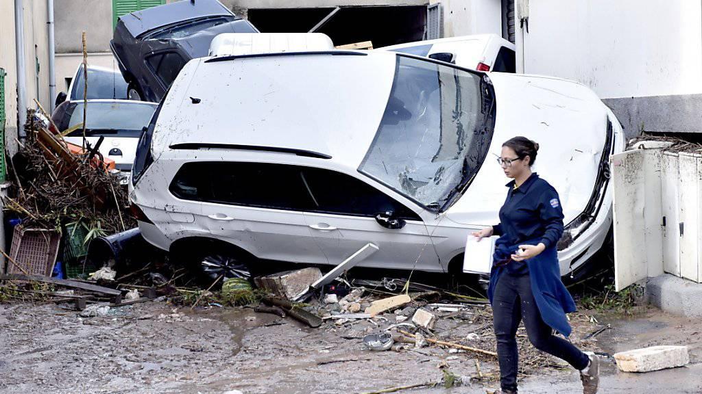 Unwetter und Überschwemmungen habe zahlreiche Ortschaften auf Mallorca heimgesucht und mindestens zehn Todesopfer gefordert.