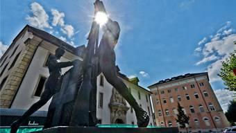 Bald nur noch eine Erinnerung an die Militärstadt? – Das Soldatendenkmal vor der Kaserne. Archiv/ Freudiger