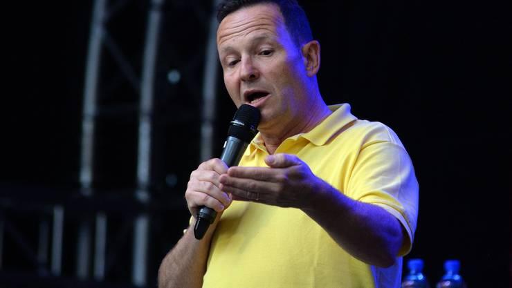 Claudio Zuccolini gewinnt mit seinem Programm «Darum!» – im Bild während einer Aufführung in Solothurn im Juli – gleich zwei Swiss Comedy Awards.