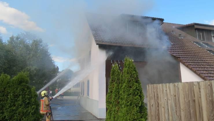 Der Sachschaden wegen des Brandes in einem Mehrfamilienhaus in Gipf-Oberfrick ist beträchtlich.