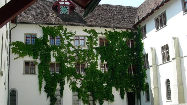 Es sind Sommerferien, im Klosterhof ist es ruhig. Dieter Minder