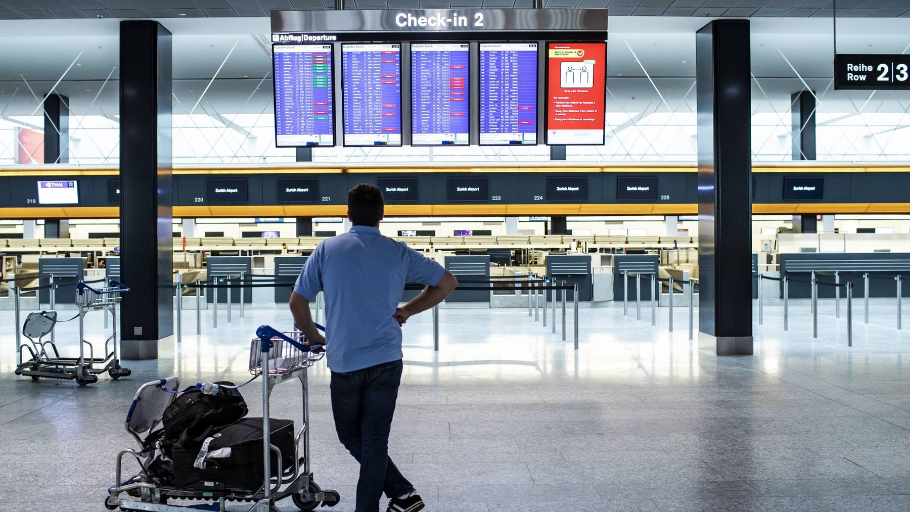 Am Flughafen Zürich blieben die Hallen dieser Tage leer.