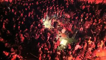 Eine Illegale Party im ehemaligen Kinderspital Basel vor fünf Jahren. (Archivbild)