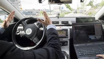 Schweizer haben Angst vor selbstfahrenden Autos. (Symbolbild)