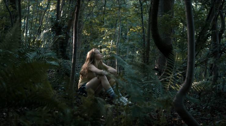 Regisseurin Lisa Brühlmann findet mit ihrer Mischung aus Realität und Fantasy eine geschickte Metapher für die körperliche Erfahrung in der Pubertät.