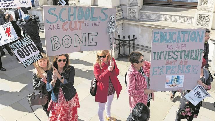 Lehrer demonstrieren in London gegen Budgetkürzungen an ihren Schulen. Wiktor Szymanowicz/Getty
