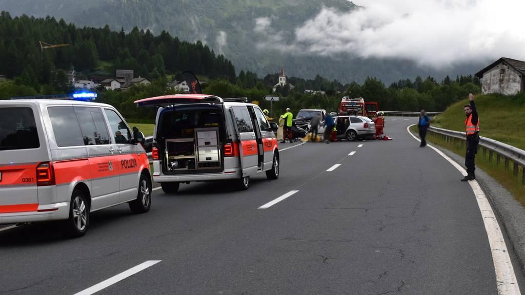 Italiener fährt frontal in Auto von Zuger Ehepaar: Ein Toter und vier Verletzte