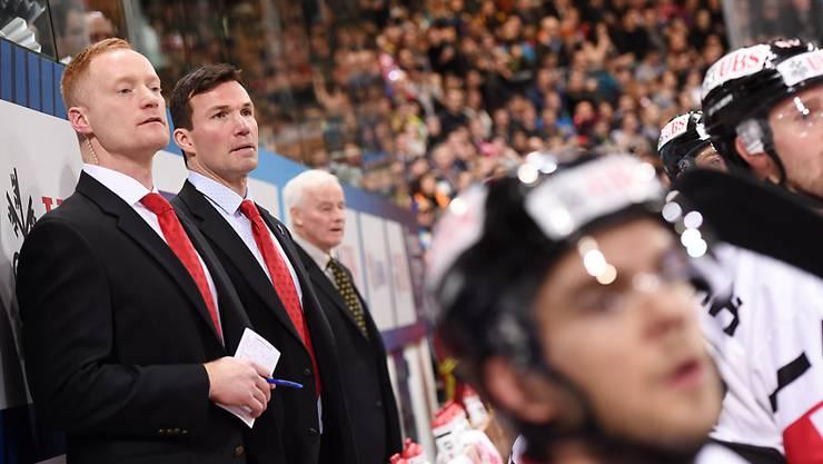 Gordie Dwyer (ganz links) stand am vergangenen Spengler Cup als Assistenzcoach beim Team Canada im Einsatz