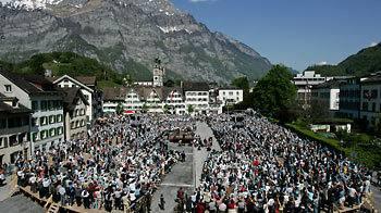 Kanton Glarus nimmt das Kampfhunde-Verbot zurück