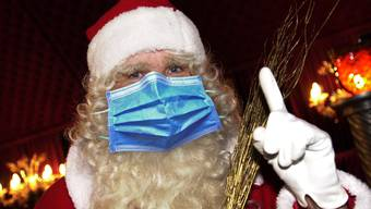 Der Santichlaus wird sich in diesem Jahr manchmal eine Maske anziehen müssen.