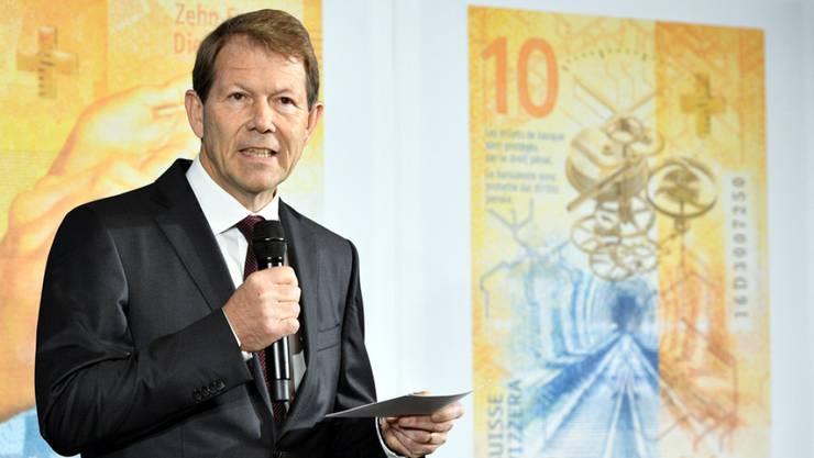 Fritz Zurbrügg, Vizepräsident des SNB-Direktoriums, hat im Herbst 2017 die 10-Franken-Note präsentiert. (Archiv)