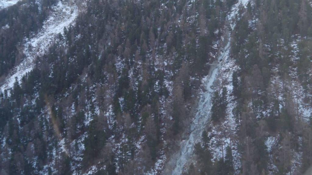 Vereistes Couloir als Verhängnis: Ein Wanderer stürzte bei Zermatt rund 60 Meter in die Tiefe.