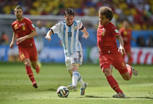 Messi im Duell gegen Witsel