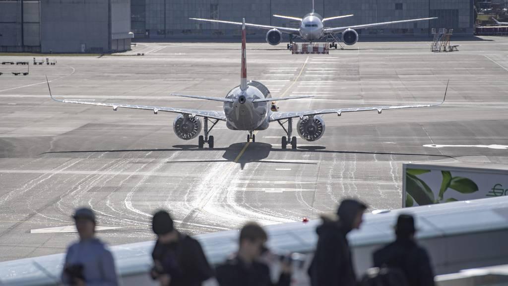 Flughafen Zürich präsentiert steigende Zahlen und erwartet Corona-Turbulenzen