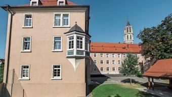 In den historischen Mauern des bischöflichen Konvikts erhält der Stadtschreiber Kost und Logis.