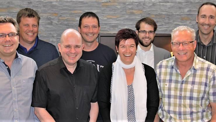 So präsentiert sich das Organisationskomitee für die Regio Mäss Gäu in Neuendorf (v.l.) Andreas Spiegel, Manfred Werner, Markus Oegerli, Thomas Bösiger, Jeanine von Arx, Manuel Stöckli, Präsident Roman Berger und Peter Felber.