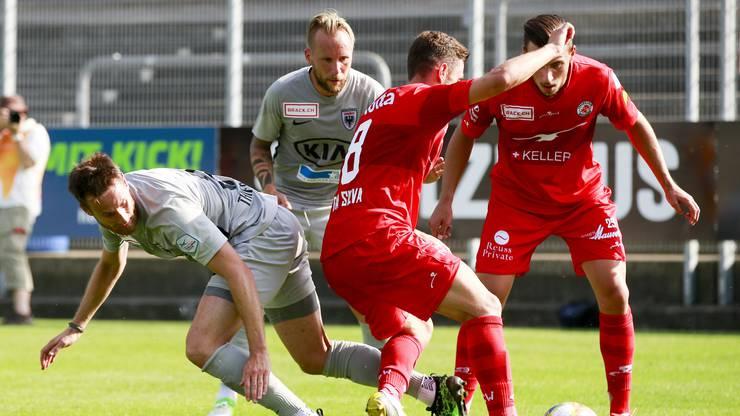 Das Hinspiel (1:1) zwischen dem FC Winterthur und dem FC Aarau war hart umkämpft.
