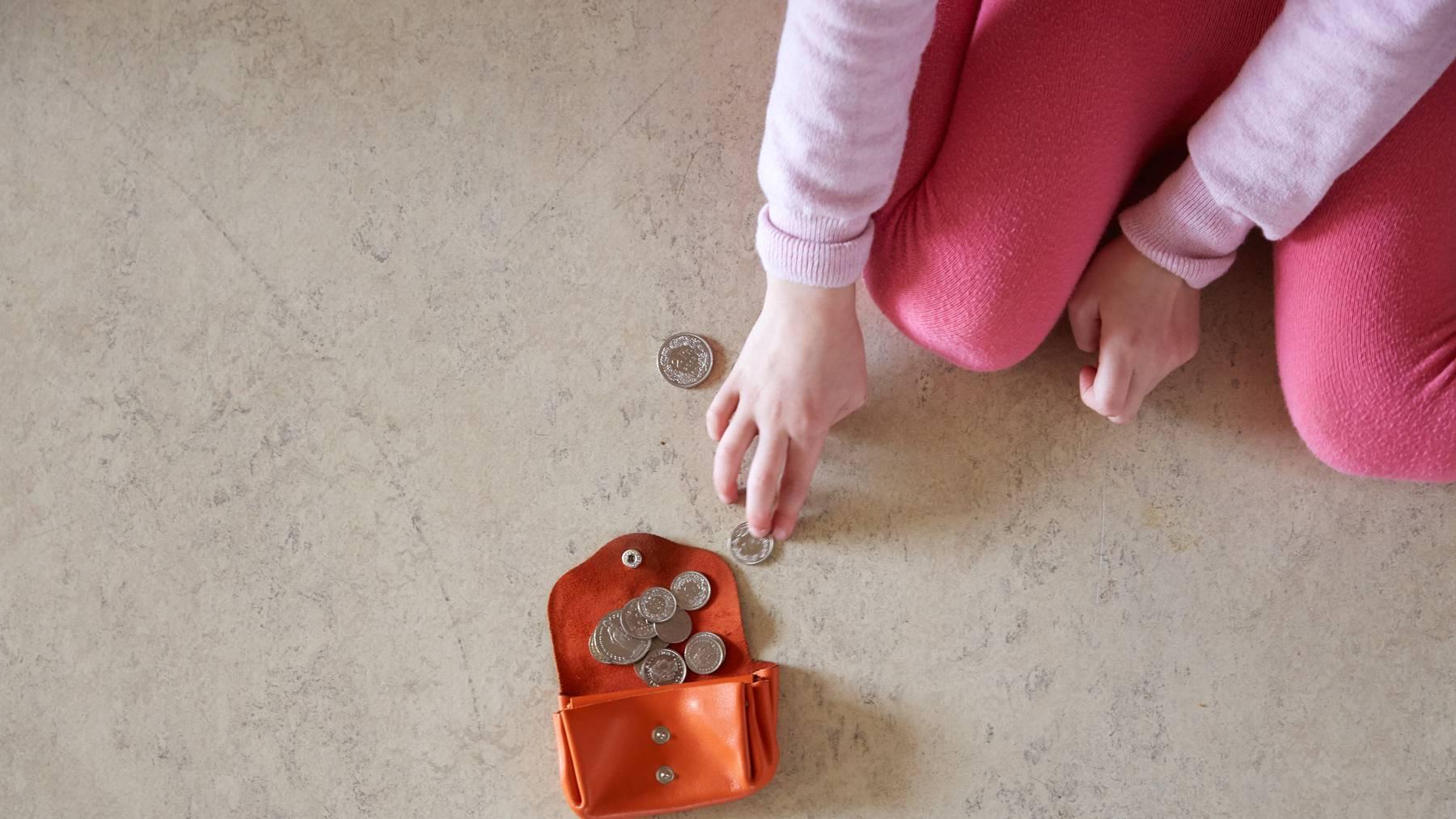 Das Haushaltseinkommen der Menschen in der Schweiz ist in den vergangenen Jahren gestiegen.