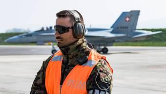 Übertreibt das Verteidigungsdepartement Ermüdungserscheinungen der F/A-18, um Stimmung für neue Kampfjets zu machen? (KEYSTONE/Jean-Christophe Bott)