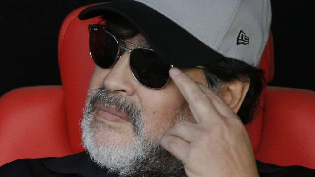 Diego Maradona am Knie operiert