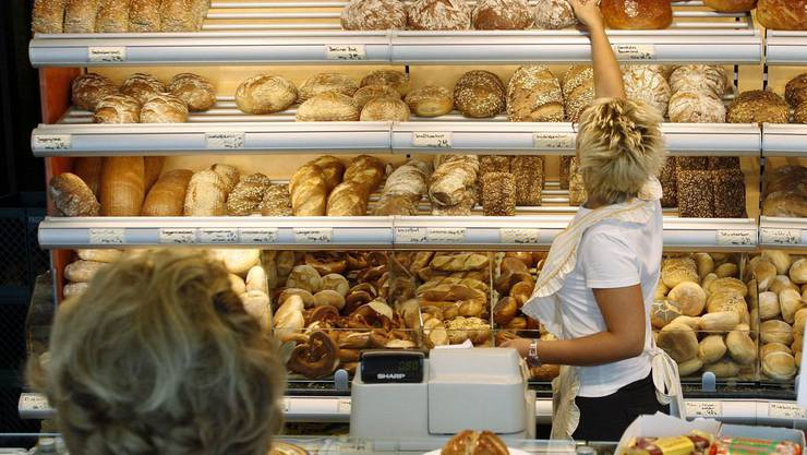 Zwei Unbekannte rauben in Basel eine Bäckerei aus (Symbolbild).