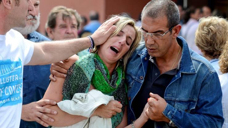 Grosse Trauer in Spanien nach schwerem Zugsunglück in der Nhähe von Santiago de Compostela010
