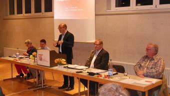 Stefan Müller, Nationalrat, Gemeindepräsident von Herbetswil und selber aktiver Musikant, richtet Grussworte an die Versammlung.