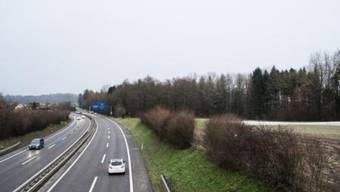 Die Strassenrechnung kann zusammen mit ausgabenseitigen Einsparungen um rund 14 bis 15 Millionen Franken entlastet werden.