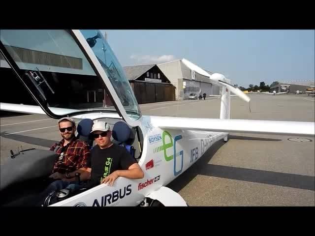 Der erste Elektroflieger landet in Grenchen