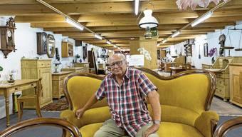 Andreas Seiler hat in den letzten Jahrzehnten unzählige alte Möbelstücke wieder auf Hochglanz gebracht.