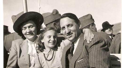Ernst Prodolliet mit Frau und Tochter.