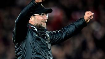Liverpools Trainer Jürgen Klopp muss in der Titelentscheidung in England auf fremde Hilfe hoffen