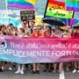 Jugendliche an der Pride in Lugano Anfang Juni mit einem Banner, das das Milchjugend-Motto «Wir haben es uns nicht ausgesucht, wir hatten einfach Glück!» wiedergibt. David Rosenthal